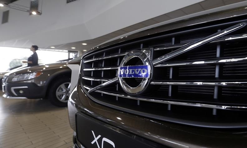 Volvo grille rtrs web.jpg