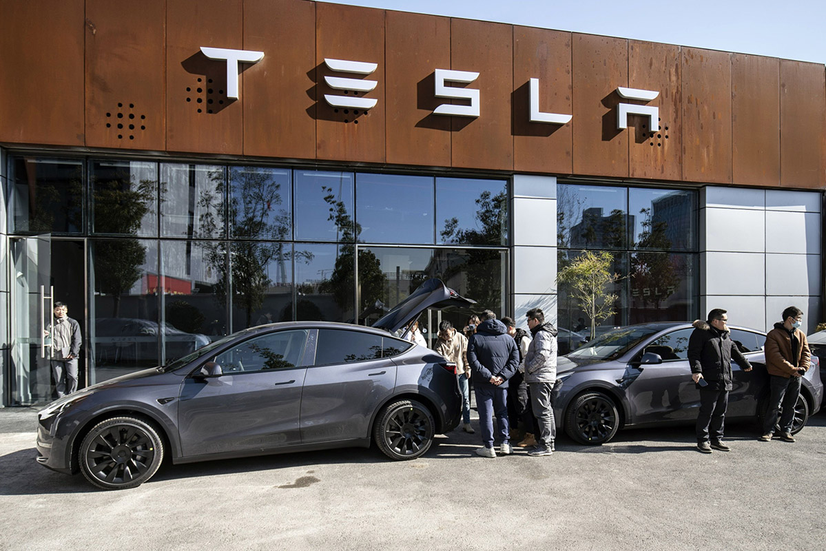 Tesla to set up China database so drivers can access facts   Automotive News