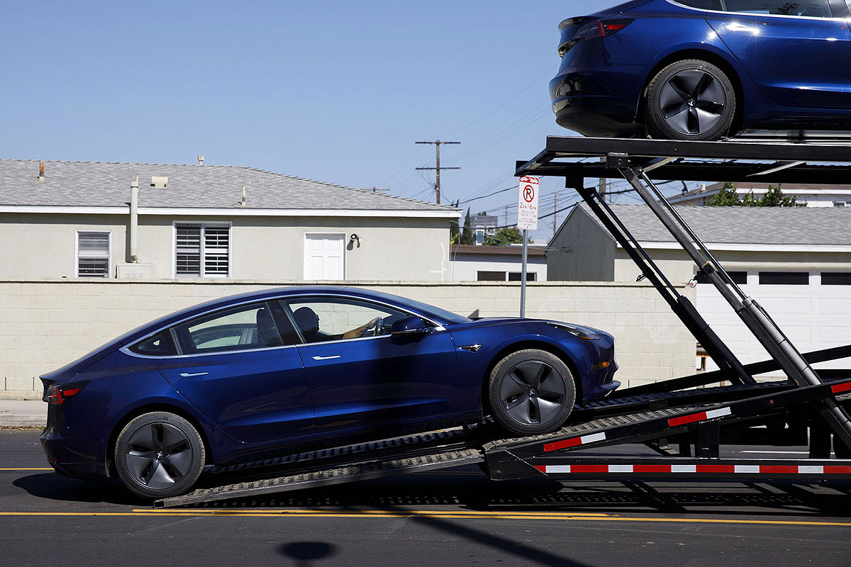 Elon Musk's driveway deliveries could be Tesla's key to