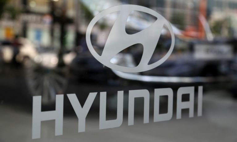 Hyundai Motor's 2 r&d vice chairmen offer to resign, report says