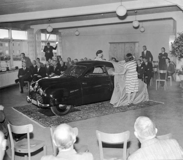 The first Saab is unveiled to the press