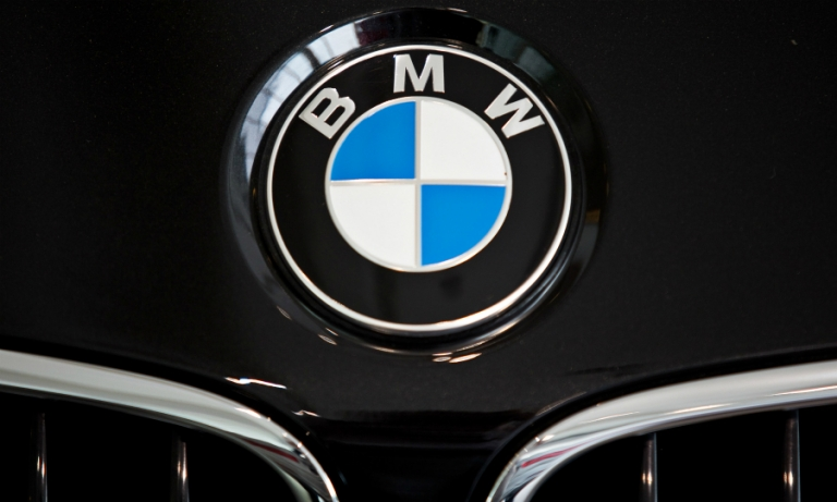 BMW badge bonnet logo web.JPG