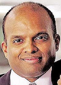 Ford awards multimillion-dollar retention bonuses to four executives