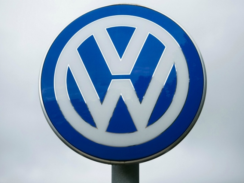 VW, BMW, Daimler, suppliers face German steel-price probe