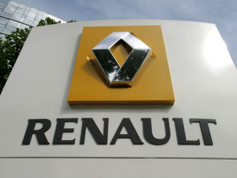 Renault holds off on French factory closures